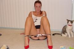 kinky amateur girl upskirt