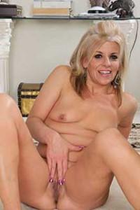 Sami - Amateur Milf Porn